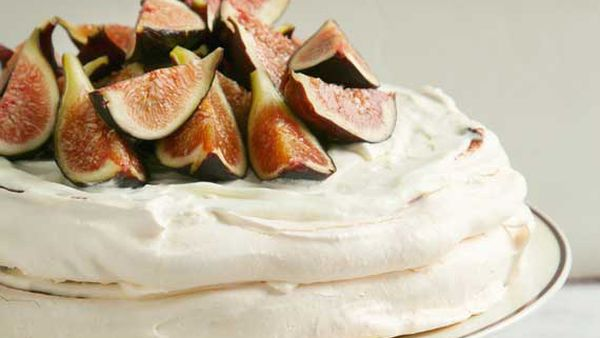 Pavlova topped with fresh figs