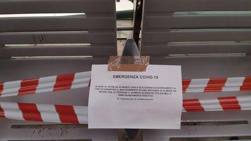 Coronavirus advice sign