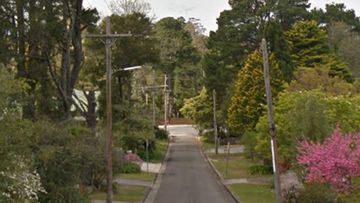 A body has been found in a Blue Mountains street.