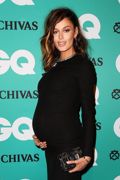 Aussie supermodel Nicole Trunfio showing off her mummy curves.