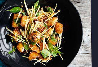 """<a href="""" /recipes/ifish/8301417/crisp-fish-green-mango-and-roast-coconut-salad """" target=""""_top"""">Crisp fish, green mango and roast coconut salad<br> </a>"""