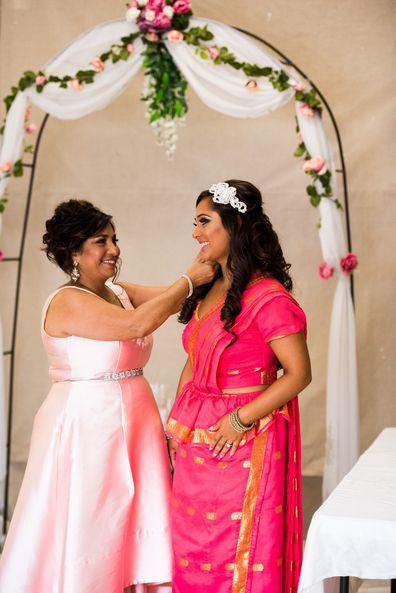 Bride wears mother's Sri Lankan going away sari for her wedding day