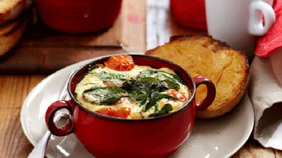 "<a href=""http://kitchen.nine.com.au/2016/05/05/16/29/baked-spinach-eggs"" target=""_top"">Baked spinach eggs</a>"