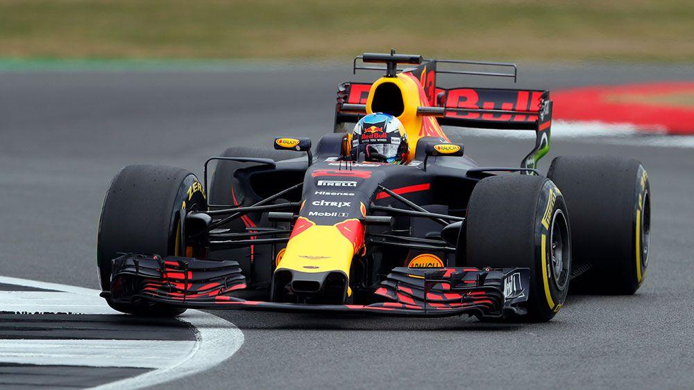 Red Bull boss Christian Horner concedes Daniel Ricciardo will continue to struggle in 2017