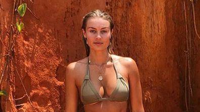 Elyse Knowles celebrates 'natural beauty' of Australia