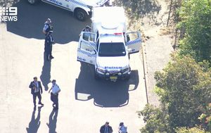 Manhunt underway after man stabbed in stomach on Sydney's Northern Beaches