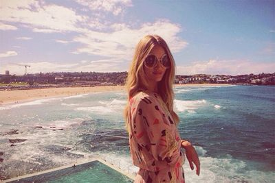 British fashion icon and girl-of-our-dreams, Rosie Huntington-Whitely, made the most of Sydney's spectacular sights, when she stopped off for lunch at Bondi's famous <a href=http://icebergs.com.au/>Icebergs Club</a> in August this year.<br/><br/>K-Stew was also spotted here after the married-man-debacle of 2012 … <br/>