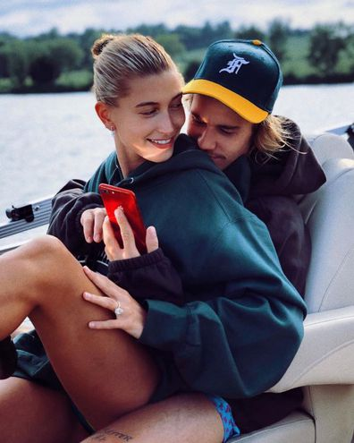 Justin Bieber, Hailey Baldwin, boat, phone, selfie