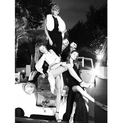 <p>Magdalena Frackowiak, Mina Cvetkovic and&nbsp;Kasia Struss&nbsp;having an awful time with Robert Cavalli and&nbsp;Daniël van der Deen.</p>