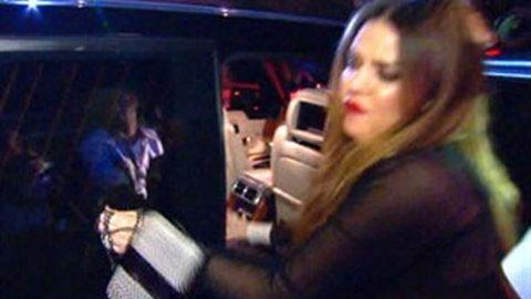 Camera falls on Khloe Kardashian's head in Sydney