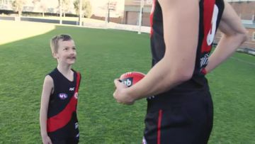Pint-sized AFL players meet their fully grown heroes
