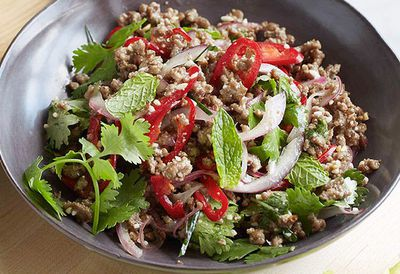 "<a href=""http://kitchen.nine.com.au/2016/05/05/10/54/minced-beef-larb-with-roasted-rice"" target=""_top"">Minced beef larb with roasted rice</a>"