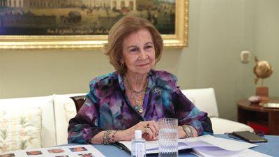 Queen Sofia vaccinated against COVID-19