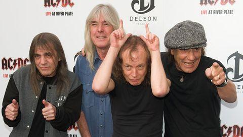 Fans thunderstruck: AC/DC finally sell songs through iTunes