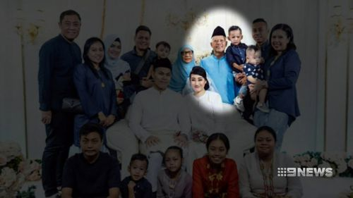 Nasiari Sunee, pictured with members of his family, died after he was struck on the head with a wine bottle just before eating dinner with family and friends.