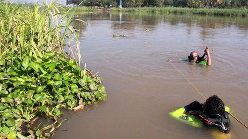 Thailand golf cart accident men killed
