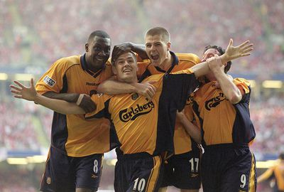 Two late Michael Owen goals gave the Reds victory over Arsenal in the FA Cup final.