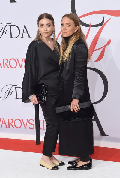 <p>Mary Kate and Ashley Olsen</p>