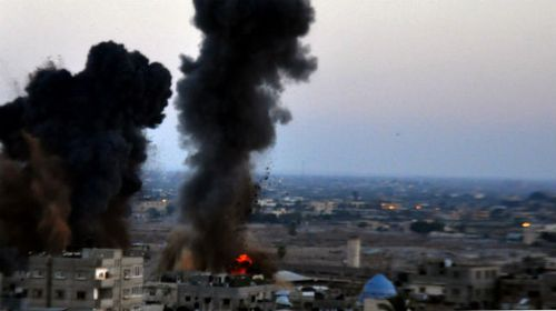 Israeli air strikes targeting the Gaza Strip continues. (Getty)