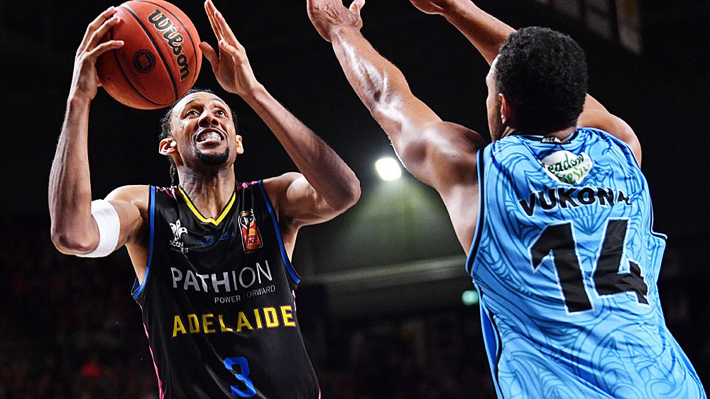 NBL: Adelaide 36ers down New Zealand Breakers in thriller