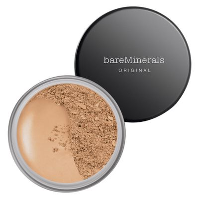 "<p>Face</p> <p><a href=""https://www.mecca.com.au/bareminerals/original-spf-15-foundation/V-012639.html"" target=""_blank"" draggable=""false"">Bare Minerals Original SPF 15 Foundation in Medium Beige, $41</a></p>"