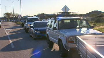 A cheap fuel deal has caused traffic chaos at service stations in Perth.