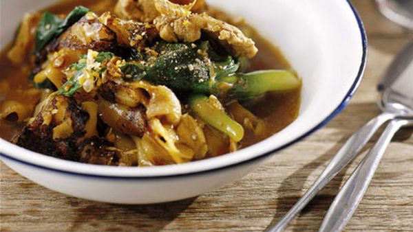 "David Thompson: Charred rice noodles and chicken with thickened ""gravy"" (Raat nar gai)"
