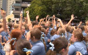 Schoolies warnings issued as Queensland's senior students leave class for the final time