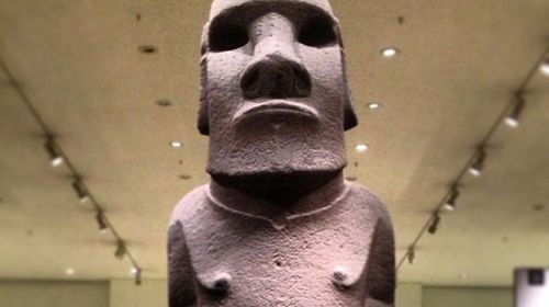 Chilean filmmakers demand British repatriation of Easter Island statue