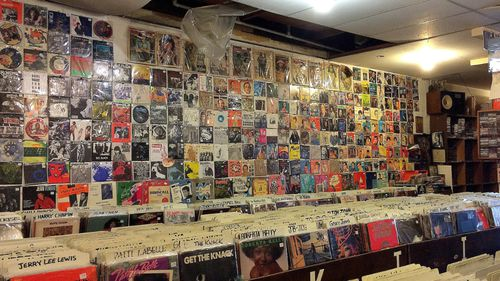 Global vinyl revenue will top $1 billion this year. (AAP)