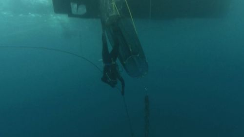 60 Minutes will not only reunite Ruben with his rescuers, but for the first time broadcast the eerie police dive video taken when the Dianne shipwreck was discovered on the bottle of the ocean. Image: 60 Minutes
