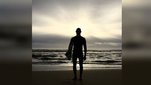 Mick Fanning returns to surf after shark attack with beautiful Instagram photo