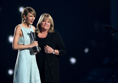 Taylor Swift, Andrea Swift