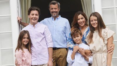 Frederik, Mary and their children, summer 2020