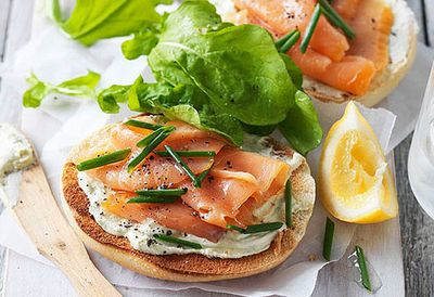 Wholemeal bagel with smoked salmon
