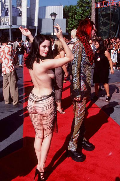 Rose McGowan in 1998