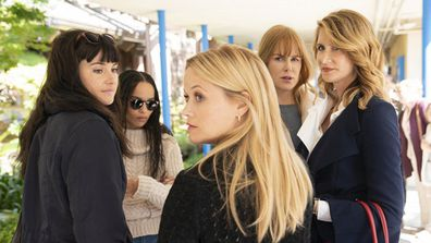 Nicole Kidman, Reese Witherspoon, Shailene Woodley, Zoe Kravitz, Laura Dern in Bog Little Lies