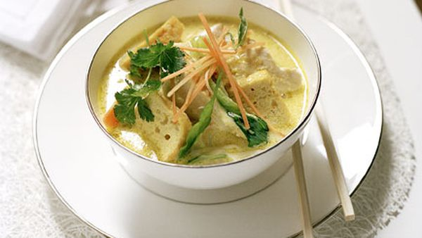 Spicy chicken laksa