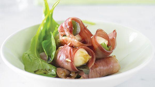 Prosciutto and bocconcini rolls