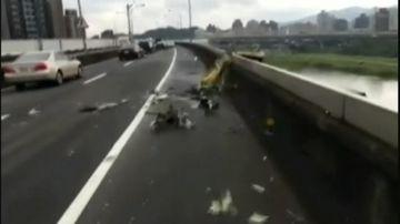 9RAW: Dramatic amateur camera footage captures aftermath of Taiwan crash