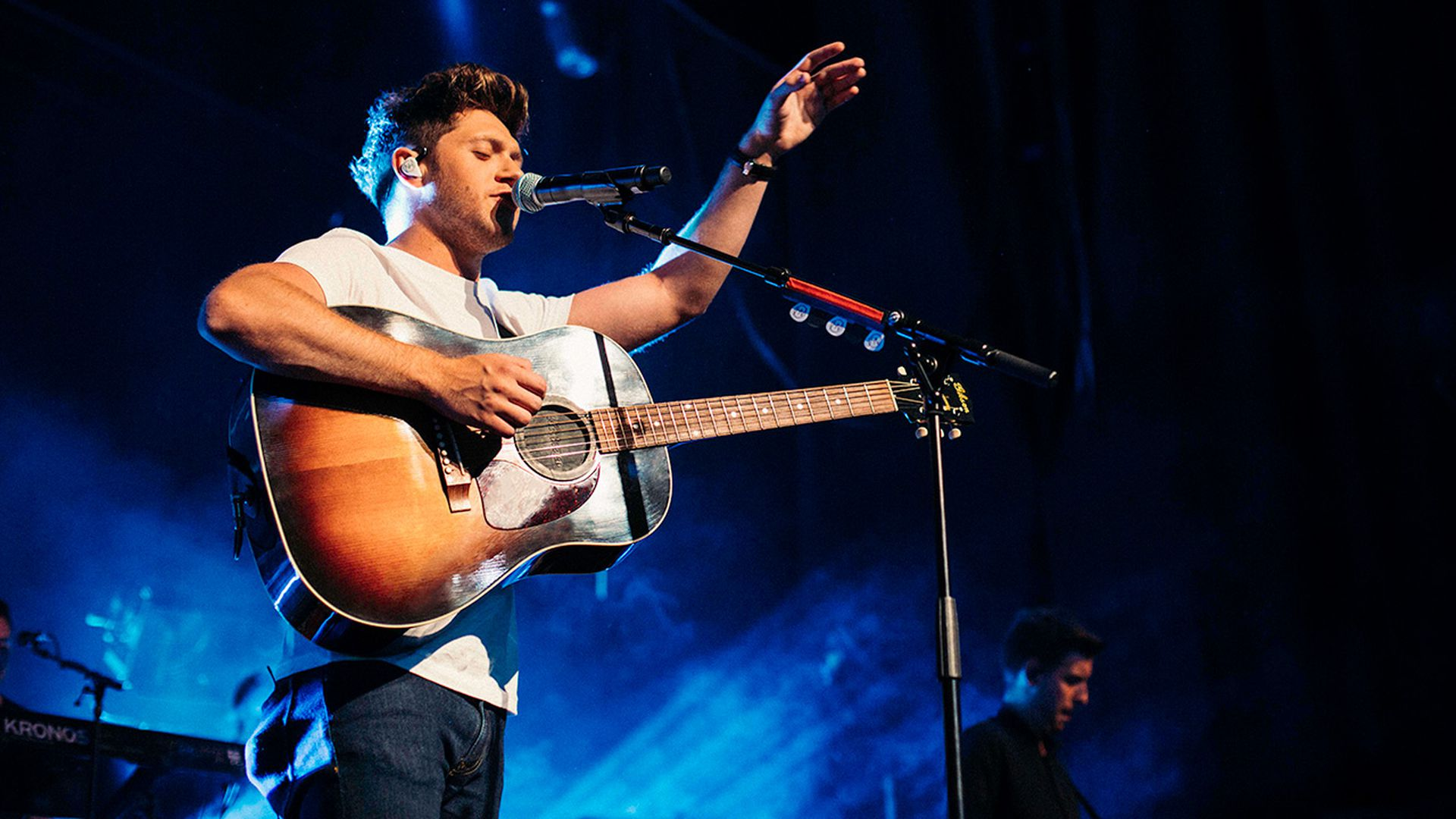 Niall Horan To Bring The Flicker World Tour 2018 To Australia Today