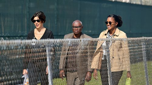 Wilbert Jones leaves East Baton Rouge Parish Prison with lawyers Emily Maw, left, and Kia Hayes, in Louisiana. (Photo: AP).