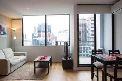 "<strong>#5 <a href=""https://www.airbnb.com/rooms/7667654"" target=""_top"">Luxurious Melbourne Apartment</a> - Melbourne, Victoria&nbsp;</strong>"