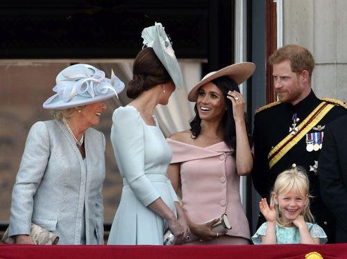 Meghan makes her Buckingham Palace debut!