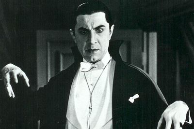 <B>The vampire:</B> The world's most famous vampire,  Dracula  has been portrayed countless number of times in cinema. In the original 1931 film based on Bram Stoker's novel, Dracula (Bela Lugosi) invites unsuspecting victims to his castle, where he either turns them into raving lunatics or feasts on their blood. Yummy.<br/><br/><B>Scare factor:</B> Dracula audiences were reportedly so overcome with fear that they fainted in their seats. Wusses.