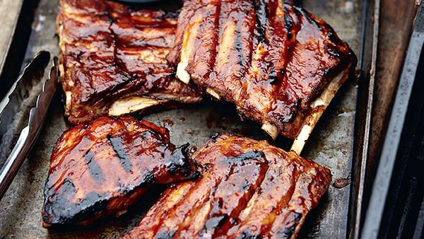 Sticky barbecued ribs