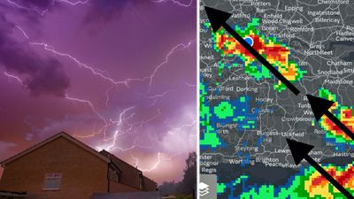 Huge lightning storms in UK disrupt travel at London airport