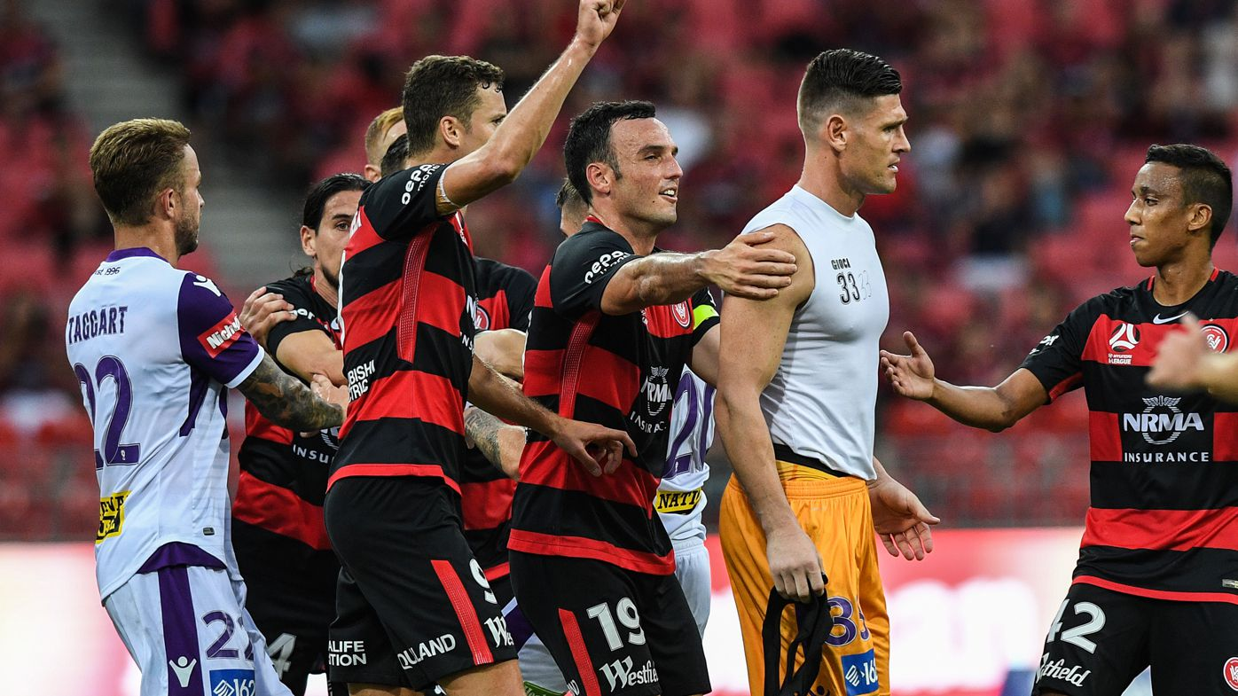 A-League: Late goalkeeper controversy in Perth Glory and Western Sydney Wanderers draw
