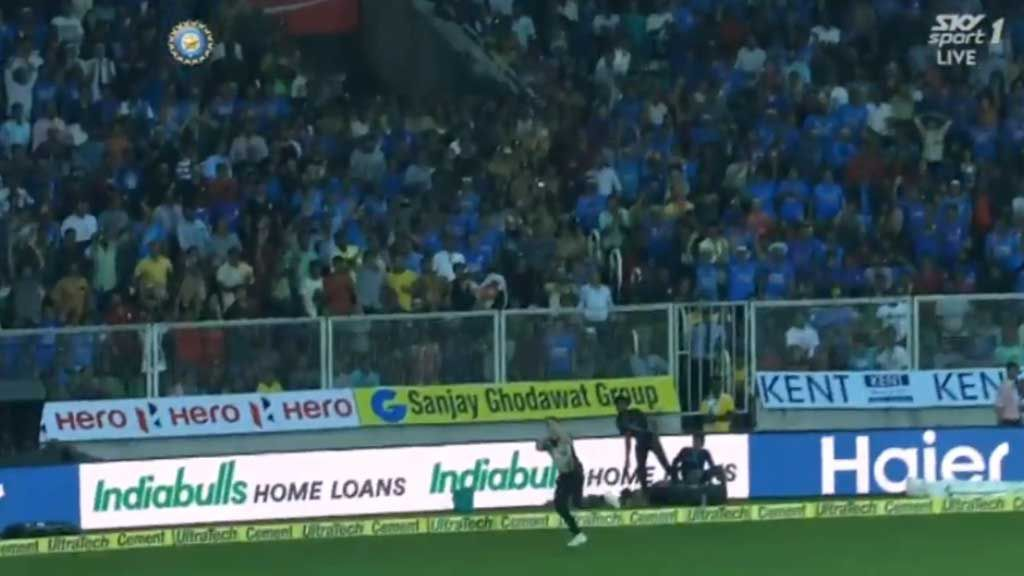 Santner sets up stunning catch