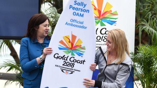 Queensland Premier Annastacia Palaszczuk and Sally Pearson. (AAP)